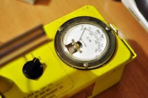 Repairing a Victoreen CDV-700 6B Dosimeter